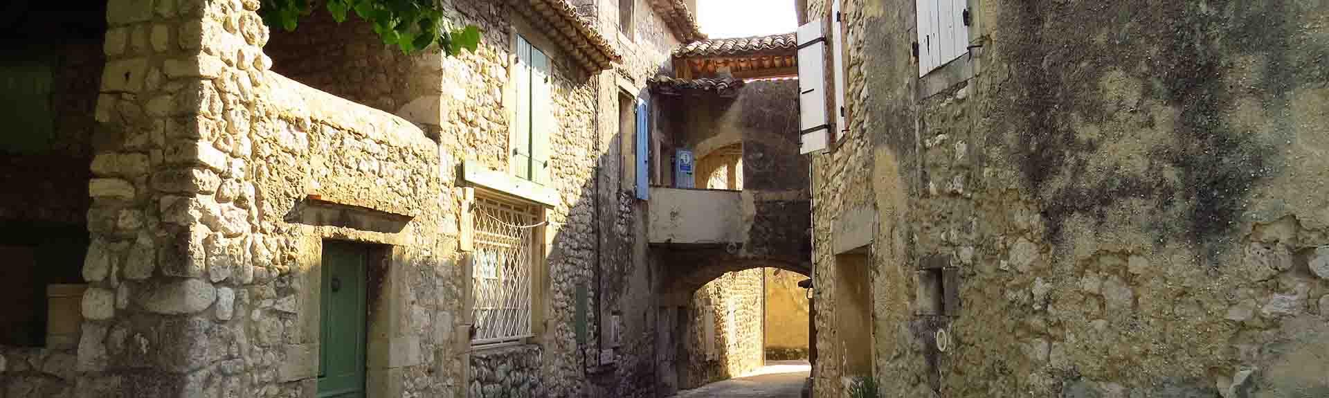 Mourir et mieux vivre avec la modernité, dans une communauté rurale, La Garde-Adhémar-Cours UNIVAL
